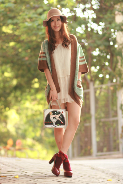 olive green romwe cardigan - brick red hare heels