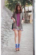 heather gray the taes blazer - silver from laurustinus skirt - magenta Uniqlo t-