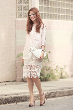ivory romwe skirt - neutral Initial shirt - white uuendy lau bag