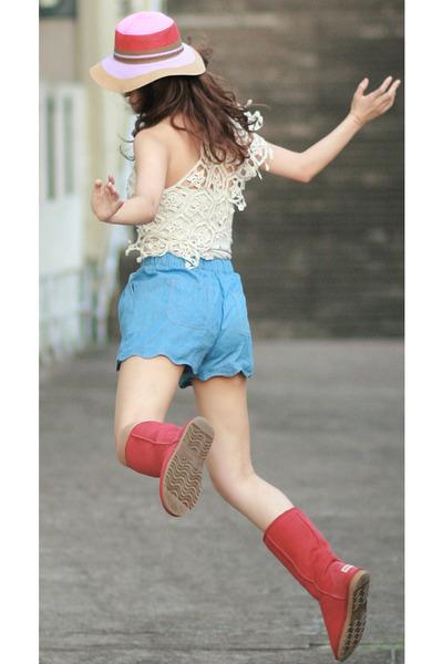 sky blue Chicwish shorts - red AUKOALA boots - ivory romwe cape