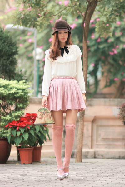 light pink romwe skirt - white Yesstyle shirt - black from laurustinus necklace