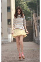 beige Quiksilver sweater - yellow tutu skirt - white collar yesstylecom accessor