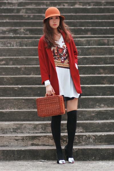 black mellow yellow heels - ruby red Chicwish blazer - brown Chicwish bag