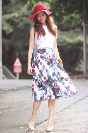 turquoise blue Chicwish skirt - ruby red Young Hungry Free hat