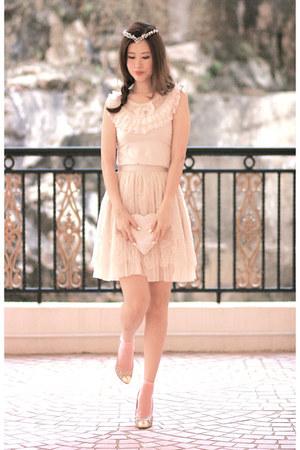 eggshell Giuseppe Zanotti heels - ivory Yesstyle skirt - white Yesstyle top