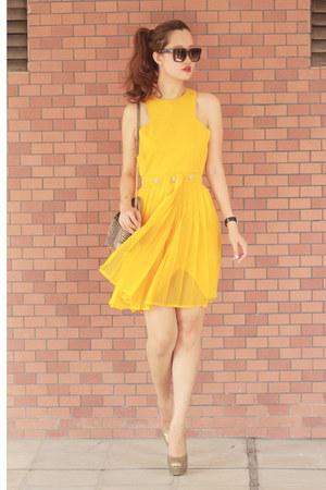 yellow vlabel london dress - crimson Celine sunglasses