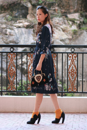 navy romwe vintage dress - black Miu Miu heels