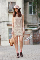 beige romwe dress - tan kate spade bag - dark brown Vero Cuoio heels