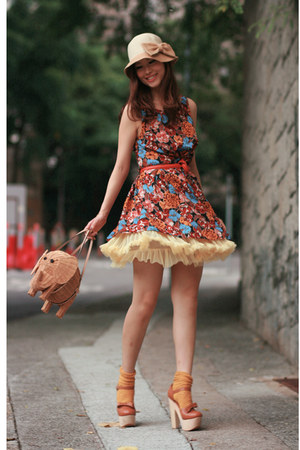camel kate spade bag - burnt orange Love dress