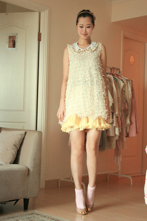 ivory becky bloomwoods wardrobe dress - light yellow Chicwish accessories