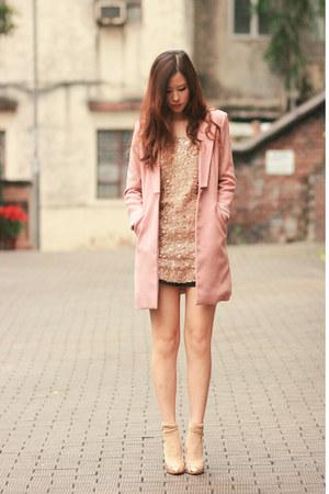 pink from laurustinus blazer - gold Chicwish dress