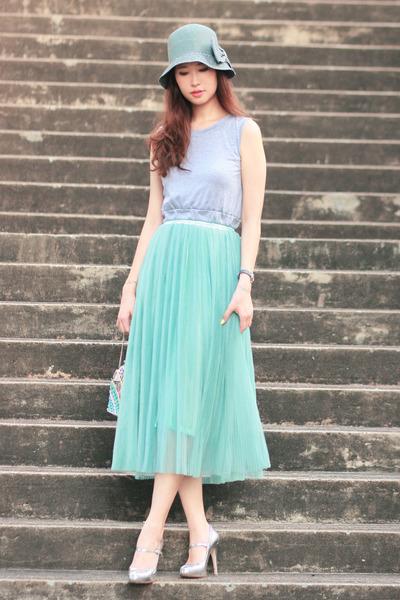 light blue Ministry of Retail skirt - heather gray Choies top
