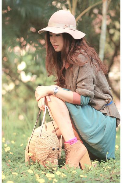 eggshell kate spade bag - sky blue Yesstyle dress - light brown Chicwish sweater