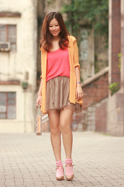 gold kari ang heels - carrot orange romwe vest - light orange Yesstyle cardigan