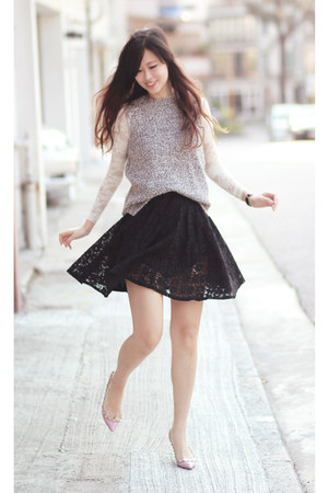 black ianyweare skirt - heather gray Yesstyle vest - white American Apparel top