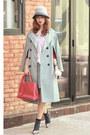 Light-blue-front-row-shop-jacket-salmon-coach-bag