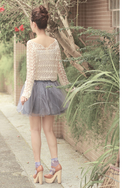 periwinkle ianywear skirt - ivory Chicwish top
