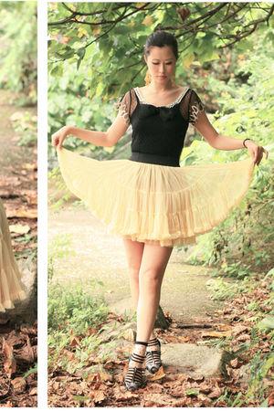 black mall t-shirt - black Melissa shoes - yellow dress