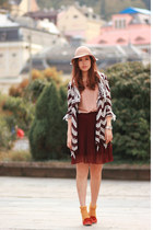dark brown Chicwish coat - crimson Yesstyle dress