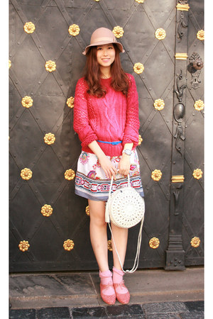 ivory Modekungen bag - white Chicwish dress - hot pink Pull &amp; Bear sweater
