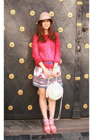 ivory Modekungen bag - white Chicwish dress - hot pink Pull & Bear sweater