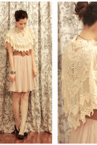 beige H&M dress - green shoes - beige lace cape Anna Rose accessories
