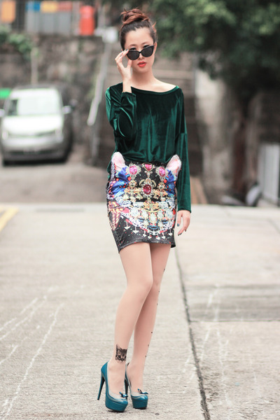 bubble gum Choies skirt - black romwe sunglasses - dark green romwe top