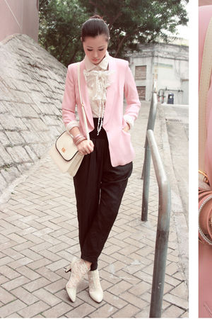 pink yull blazer - white pippee shoes