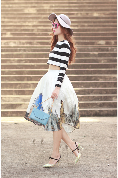 blue Chicwish skirt - black Choies top