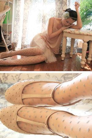 beige Topshop stockings - beige Topshop shoes - pink Forever 21 vest