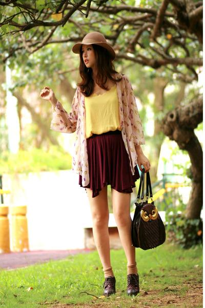 maroon Yesstyle skirt - light pink lauves cardigan - dark brown Vero Cuoio heels