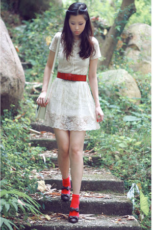 red belt - brown baby & baby shoes - beige made in korea dress