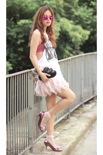 pink AsianICandy skirt - black Front Row Shop bag - light pink the layers socks
