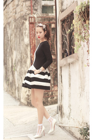 black Chicwish dress - white the layers socks