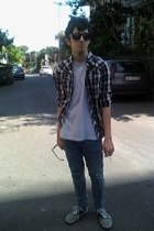 H&M shirt - American Apparel t-shirt - Cheap Monday jeans - Vans shoes - Ray Ban