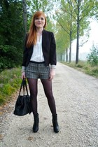 black H&M blazer - white Vero Moda shirt - black Stradivarius shorts