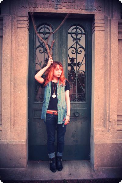 Jacqueline Rieu vest - Topshop tie - Jacques belt - Bershka jeans - Ebay US boot