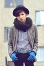 Gray-tweed-blazer-zara-blazer-black-knit-oak-fort-scarf