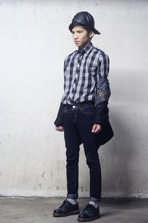 navy Zara jeans - black Dr Martens shoes - navy Zara shirt