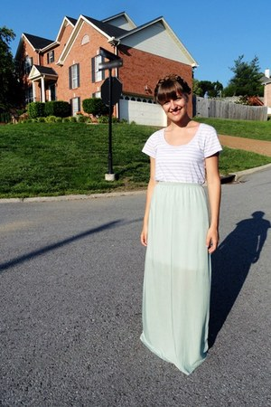 periwinkle striped Old Navy t-shirt - aquamarine diy Forever 21 skirt