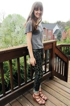 dark khaki leopard print H&M jeans - heather gray kohls top - tawny gladiator Re