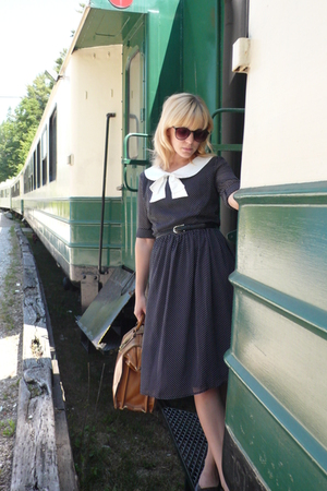 modcloth dress - shoes - vintage purse - H&M sunglasses
