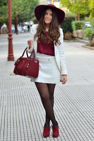 Menbur bag - Lavand hat - Zara blazer - Zara skirt - Menbur heels