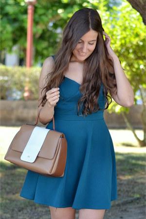 Mil Caprichos dress - purificación garcía bag - Zara sandals