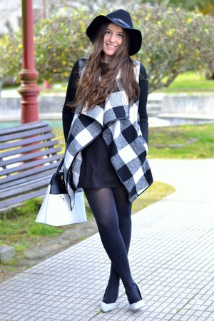 Sheinside dress - H&M hat - Primark bag - Sheinside cardigan - Lefties heels