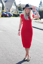 fedora Topshop hat - red midi Missguided dress