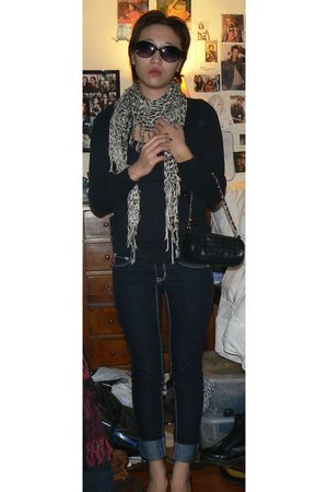 black H&M cardigan - blue jeans - black Nine West shoes - scarf - Cole Han sungl