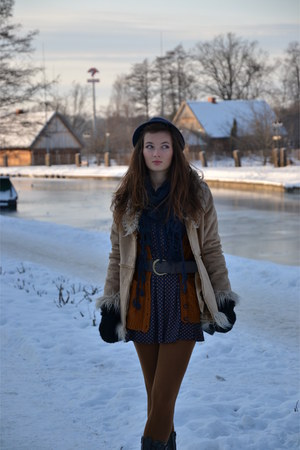 carrot orange Stradivarius dress - blue Primark coat - tawny reserved hat