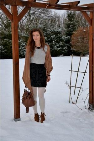 pull&bear boots - tawny Primark sweater - Stradivarius shirt