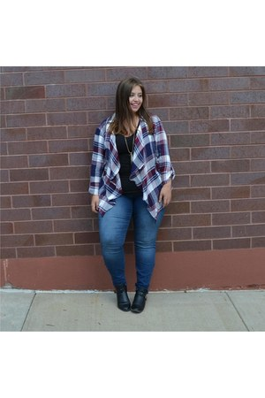 skinny jeans JCPenney jeans - plaid shirt JCPenney shirt